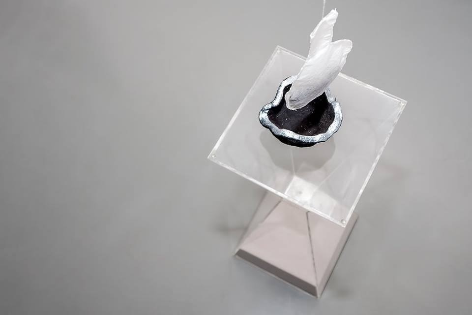 Tea time, original Avant-Garde Acrylic Sculpture by Renata Carneiro