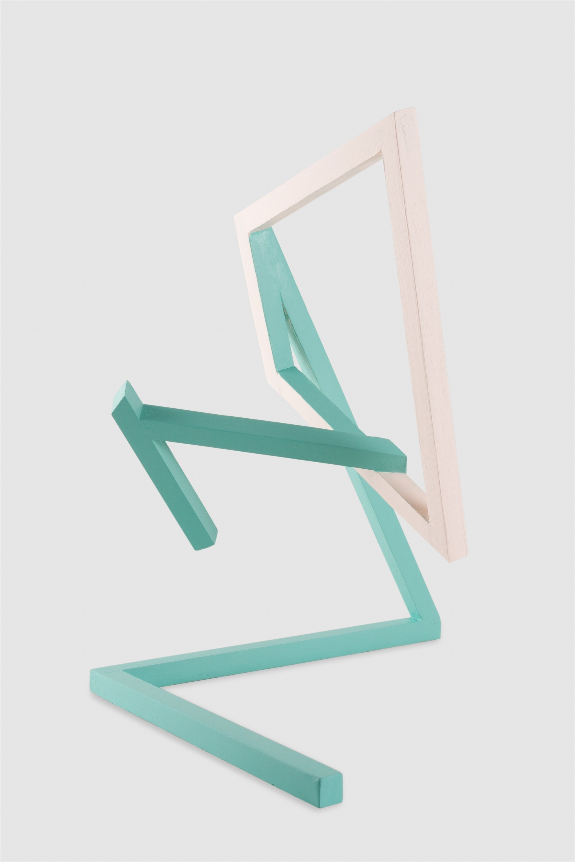 Object in Eb, original Geometric Acrylic Sculpture by Fátima Santos