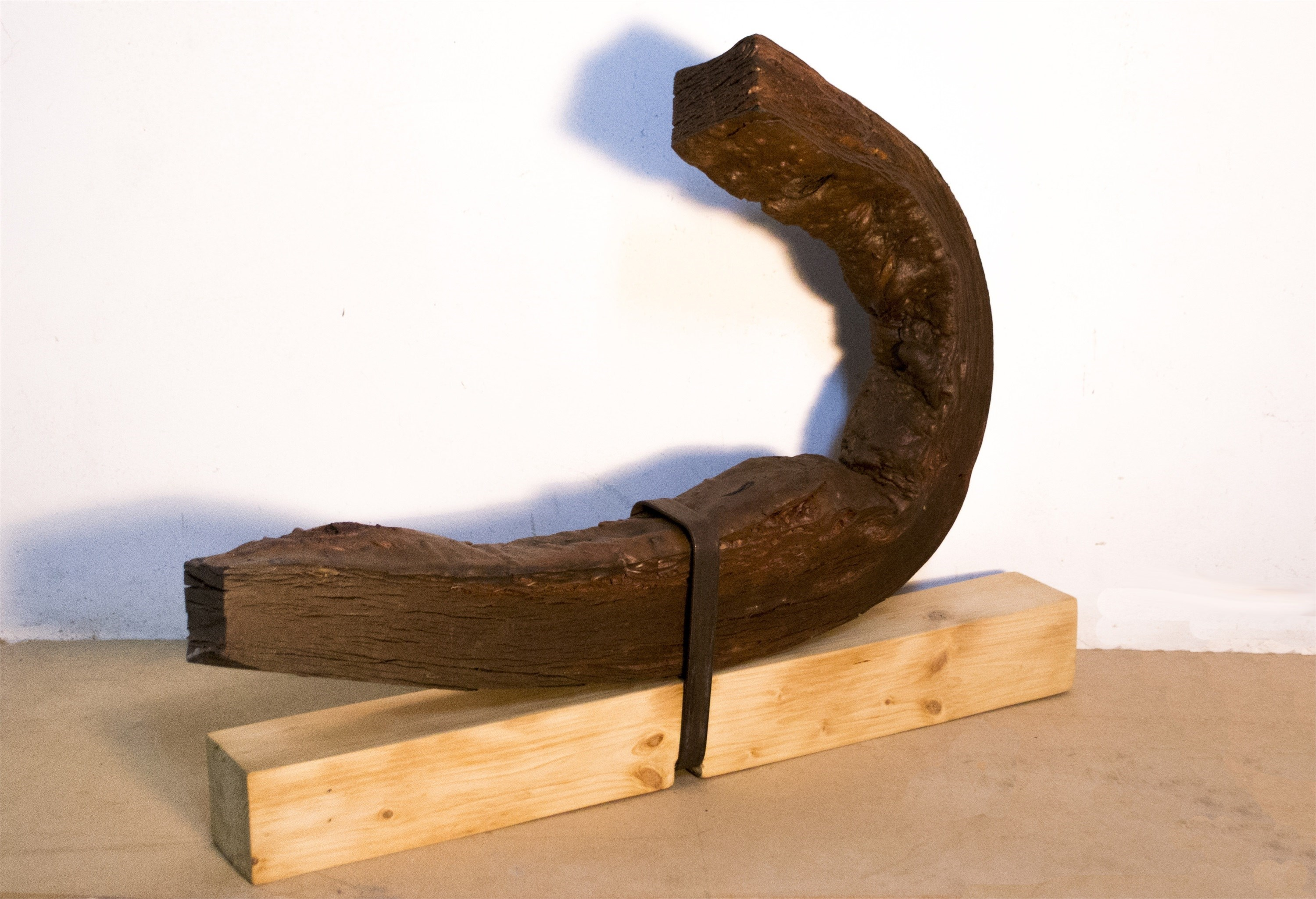 Resistência (do Corpo), original Abstract Metal Sculpture by Ana Almeida Pinto