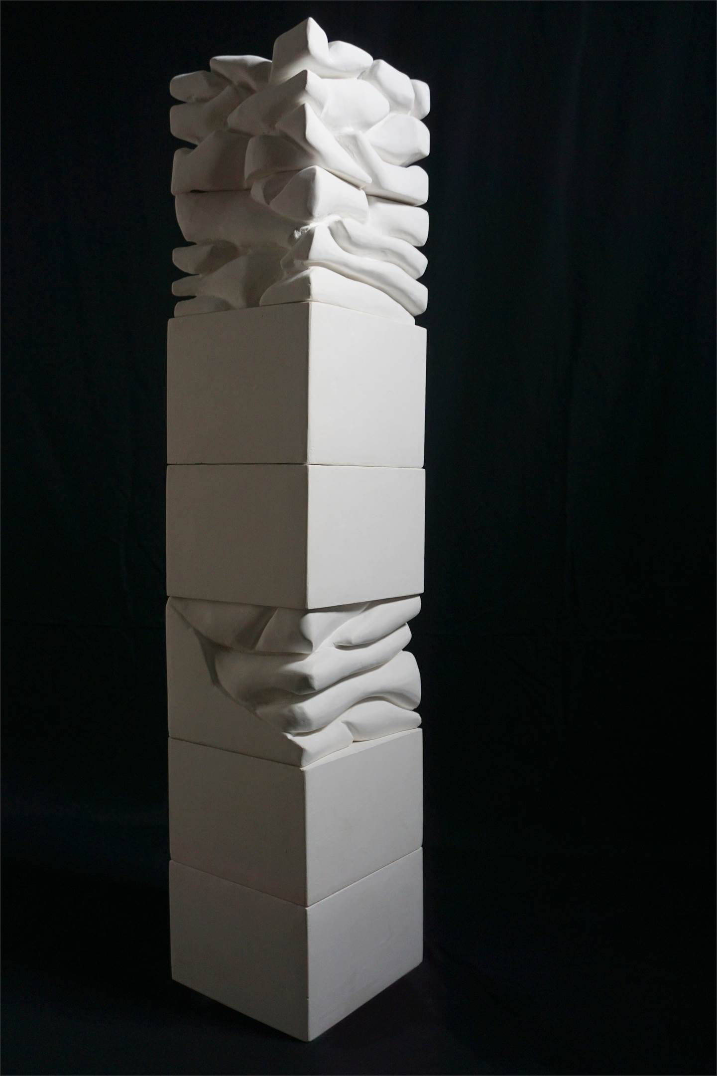 Estratos de Pensamento III, original Abstract Plaster Sculpture by Jéssica Burrinha