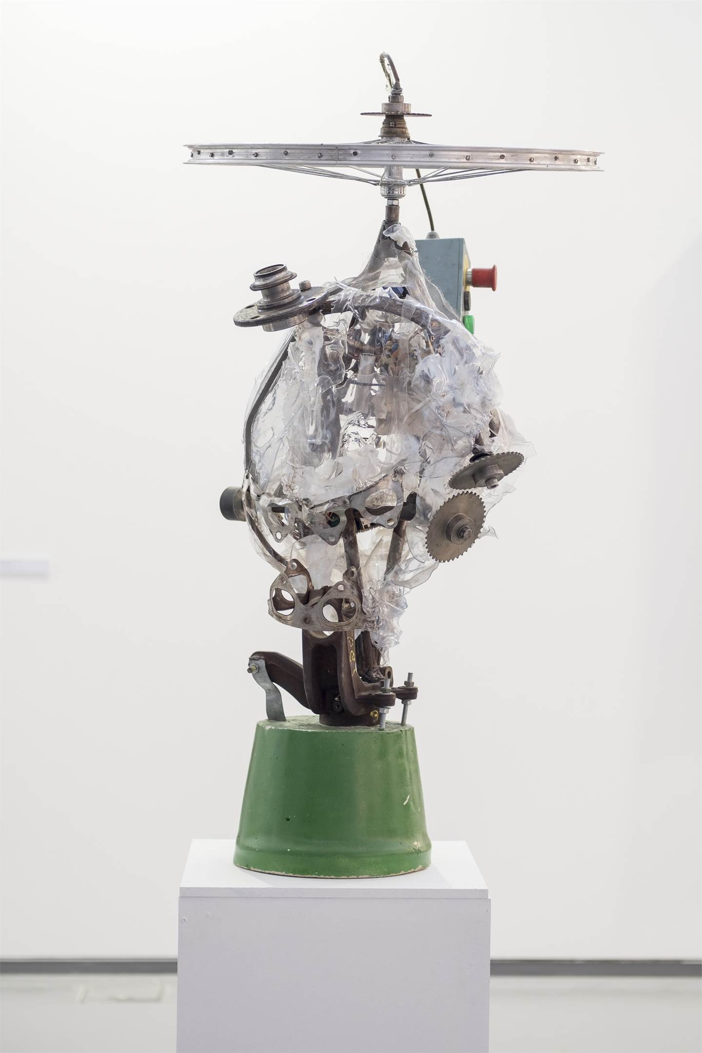 Auto-Retrato, original Abstract Mixed Technique Sculpture by André Silva Neves